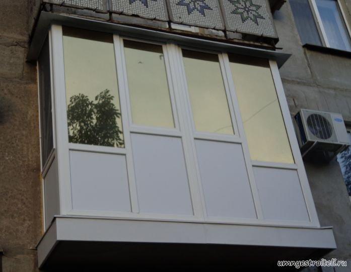 Французское остекление балкона нижняя часть сэндвич панель..
