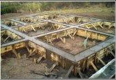 Установка съёмной опалубки под ленточный и монолитный фундамент