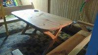 Стол из дерева для дачи или кафе из сосны.